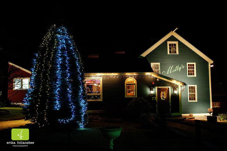 photo of Molly's Tavern at night | New Boston, NH