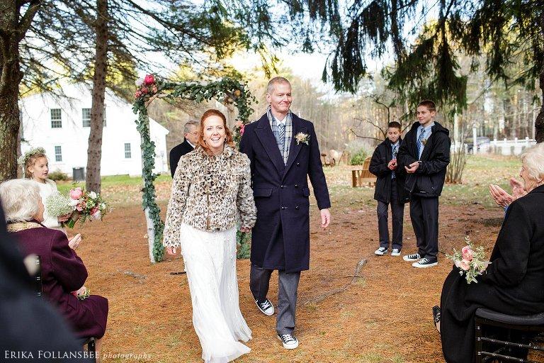 tumbledown farm rustic NH wedding (7)